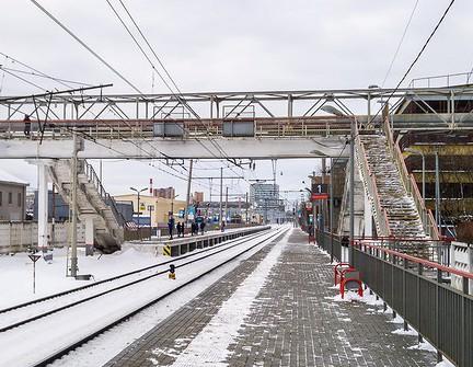 """Пешеходный мостик на станции """"Красный Балтиец"""""""