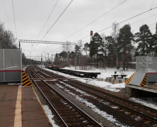"""Железнодорожные пути около станции """"Чкаловская"""""""
