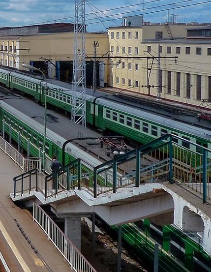 """Лестничный пролёт на станции """"Перерва"""""""