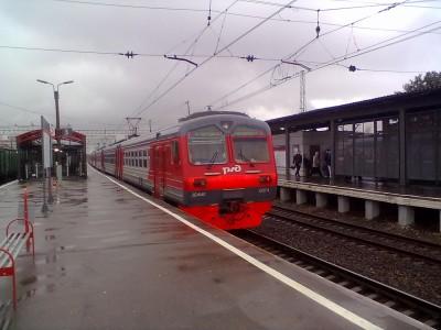 """Электропоезд на станции """"Очаково"""""""