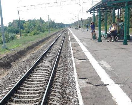 """Железнодорожный путь проходящий около платформы """"Шатурторф"""""""