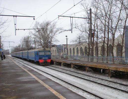 """Прибытие электропоезда на станцию """"Гагаринская"""""""