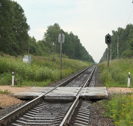 """Переезд через линии железной дороги возле станции """"Ботино"""""""