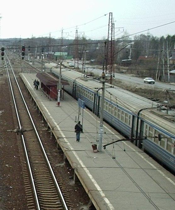 """Электропоезд на станции """"Фрязево"""""""