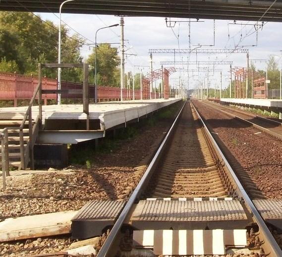 """Настил через ж/д пути для движения пешеходов на станции """"Фроловское"""""""