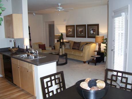 Многие застройщики так же делают подарки своим клиентам, это может быть мебель, либо  отделка квартиры, кухонная техника